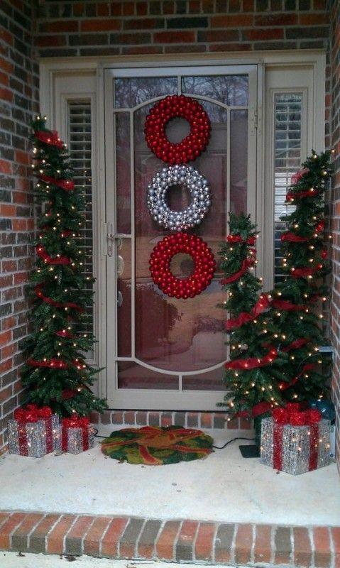 Decorazioni per l'esterno di casa a Natale