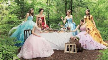 Modelle con gli abiti da sposa ispirati alle principesse disney