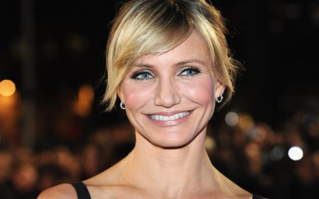 Cameron Diaz sorridente sul red carpet