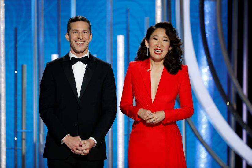 Andy Samberg e Sandra Oh nel discorso d'apertura ai Golden Globes 2019