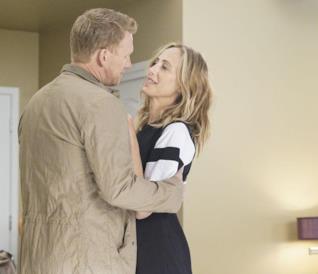 Grey's Anatomy 16: Teddy e Owen genitori felici nelle foto della première