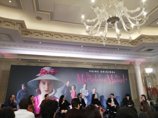 Victoria Cabello intervista gli autori e il cast di La meravigliosa signora Maisel