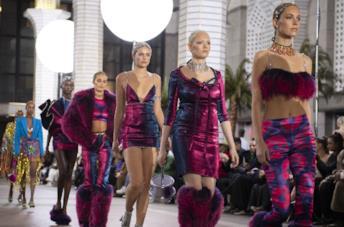 Modelle sfilano per Area alla NY F/W Fashion Week 2019