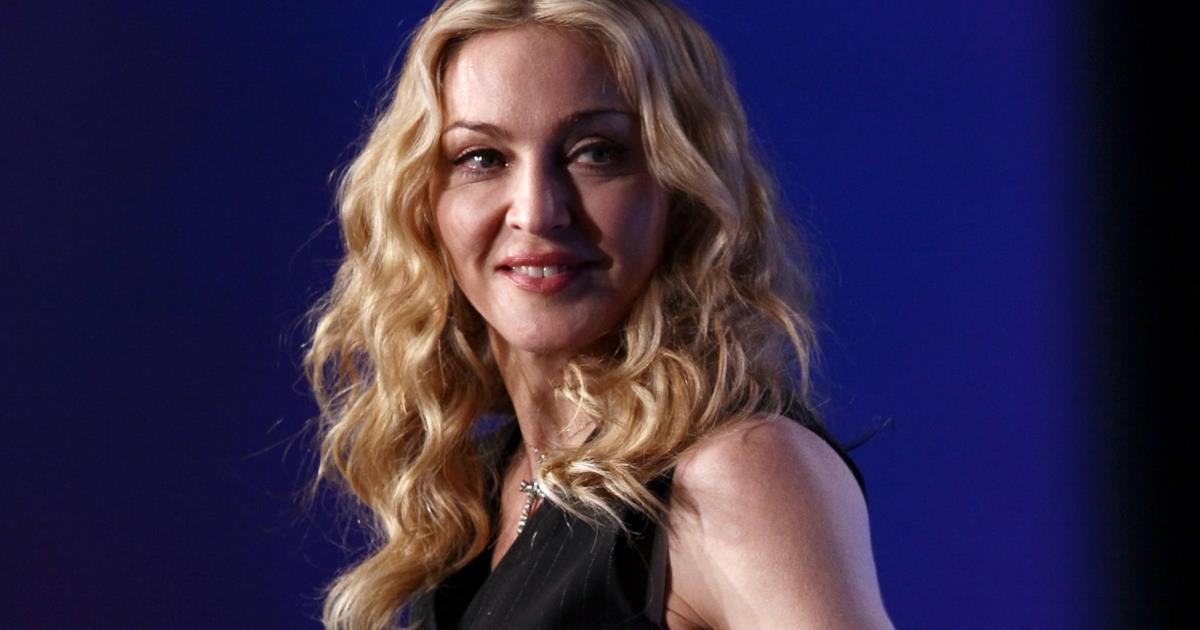 Lo strepitoso look di Madonna firmato Moschino per H&M