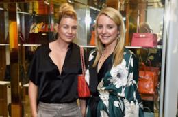 Ellen Pompeo di Grey's Anatomy insieme alla specialista di borse, Caitlin Donovan