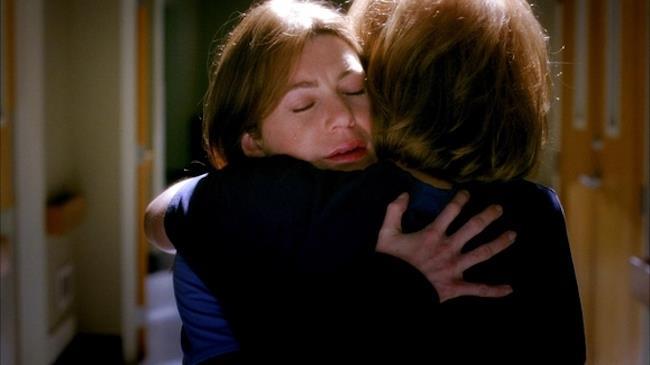 Meredith, che lotta fra la vita e la morte, abbraccia la madre morta Ellis
