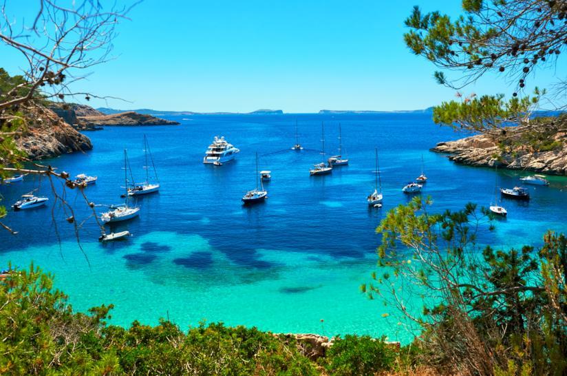 La spettacolare Cala Salada di Ibiza