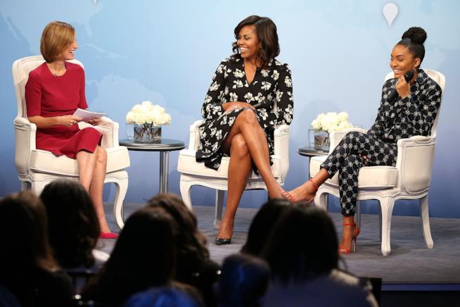 Michelle Obama durante un talk show con i giovani