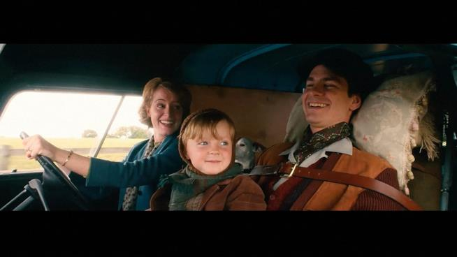 Andrew Garfield e Claire Foy durante una scena scena del film