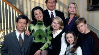 Fran Drescher e il cast della sit-com La Tata