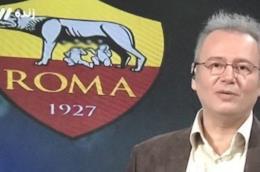 Un giornalista della TV iraniana con alle spalle lo scudetto della Roma, censurato