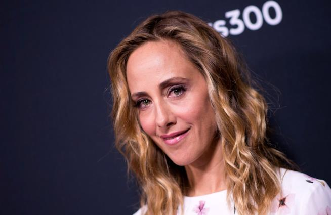 Kim Raver torna a interpretare Teddy In Grey's Anatomy 15
