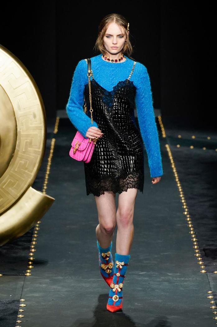 I colori vitaminici in passerella per Versace