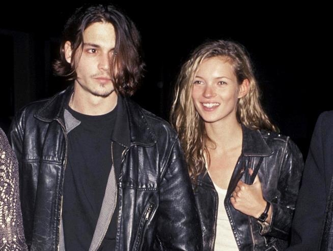 Giacca di pelle per Kate Moss e Johnny Depp in un loro vecchio scatto