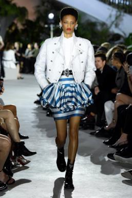 Sfilata LOUIS VUITTON Collezione Donna Primavera Estate 2020 New York - Vuitton Resort PO RS20 0055