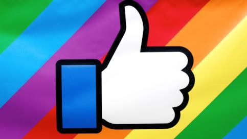 La reaction arcobaleno su Facebook