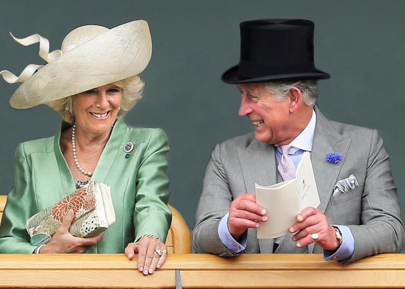 Carlo e Camilla a un evento