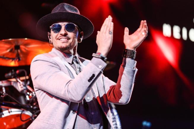 Il leader dei Linkin Park Chester Bennington dal vivo