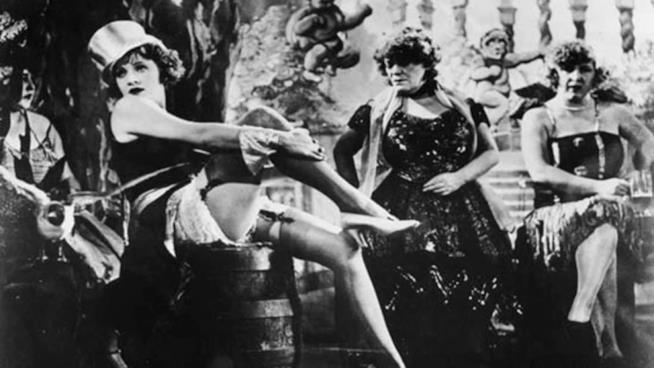 Una scena del film L'angelo azzurro di Josef von Sternberg