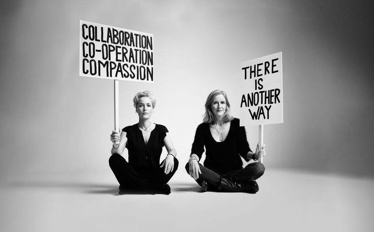 Gillian Anderson insieme a Jennifer Nadel