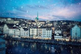 La neve che inizia a cadere su Zurigo