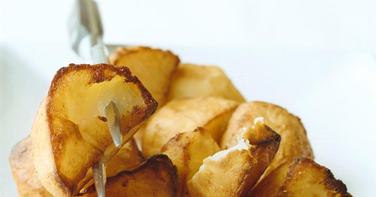 Patate al forno: la ricetta con tutti i trucchi per renderle croccanti