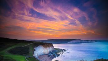 Il panorama costiero de Sussex al tramonto