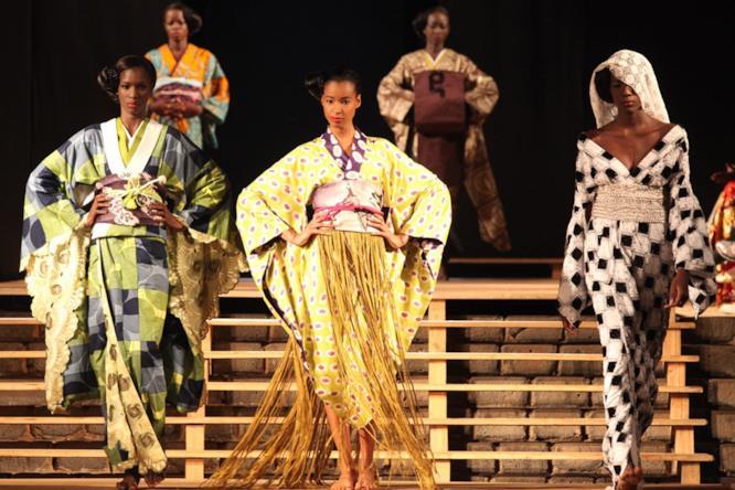 I modelli Wafrica sfilano