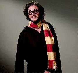 Kit Harington travestito da Harry Potter