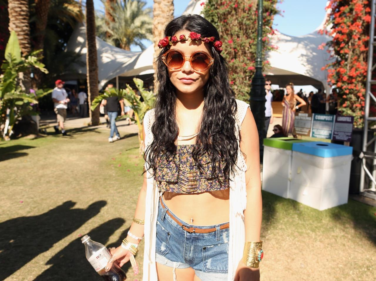 Vanessa Hudgens in stile boho-chic