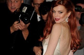 Un ammiccante primo piano di Lindsay Lohan