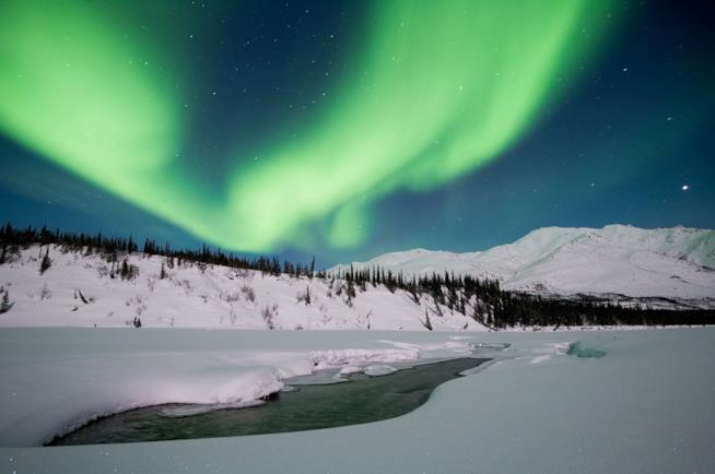 Paesaggio dell'Alaska con aurora boreale