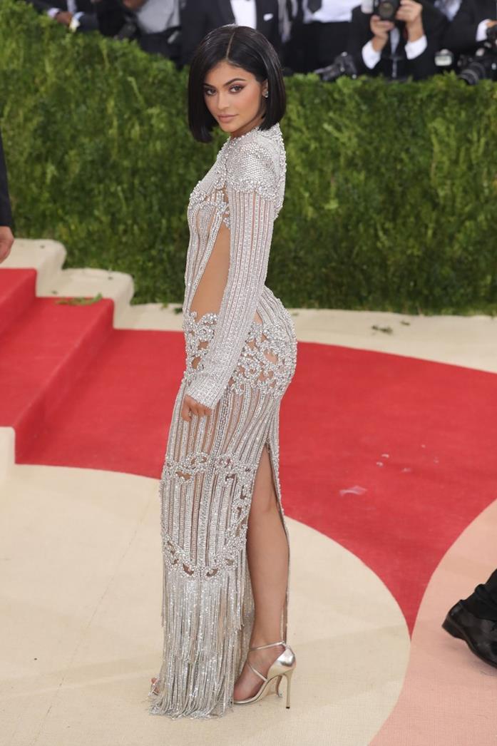 Kylie Jenner sul red carpet del MET Gala