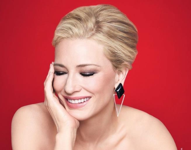 Cate Blanchett in rosso per Armani