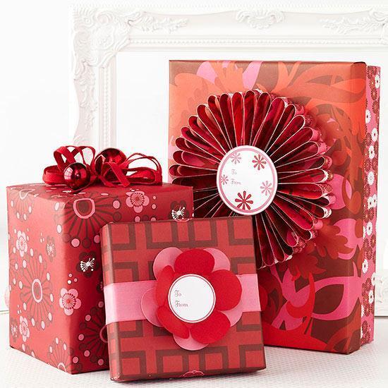 Molto Natale: tante idee fai da te per pacchi regalo, fiocchi e  SO13