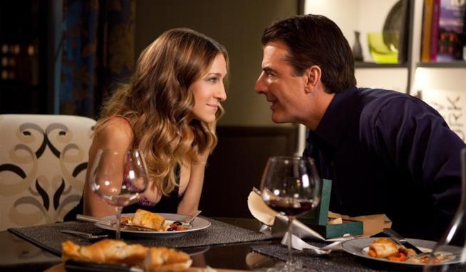 Carrie e Big cenano insieme. La coppia spesso ci ha fatto sognare, nonostante l'incertezza di lui