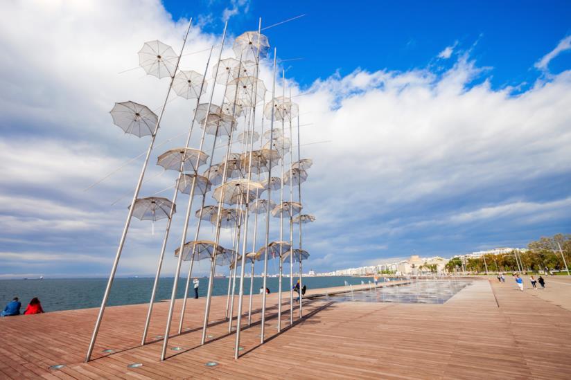 Umbrellas, la famosa scultura sul lungomare di Salonicco