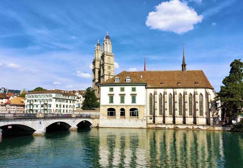 """La piccola """"chiesa dell'acqua"""" di Zurigo"""