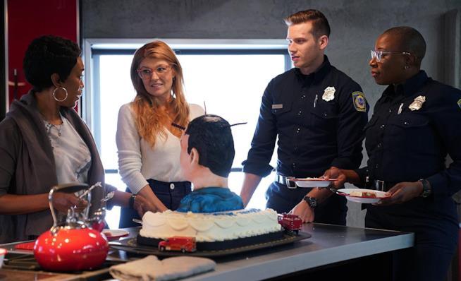 911: il cast in un'immagine promozionale