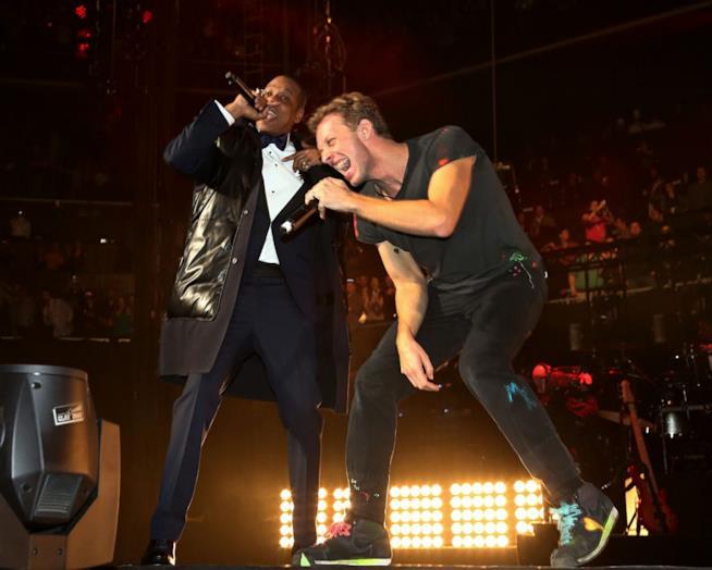 Jay Z e Chris Martin sul palco