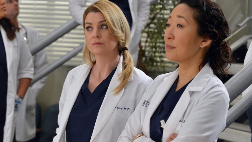 Grey's Anatomy: un'immagine promozionale di Meredith e Cristina