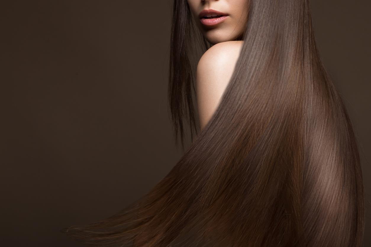 Applicare il colore sui capelli bagnati