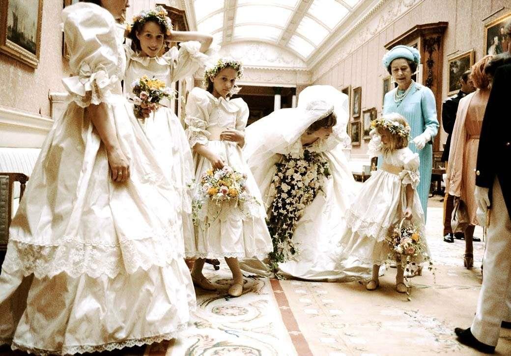 dd95e6be9924 Tutti i segreti del leggendario abito da sposa di Lady D.