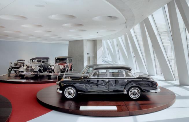 Museo Mercedes-Benz Stoccarda sala del mito