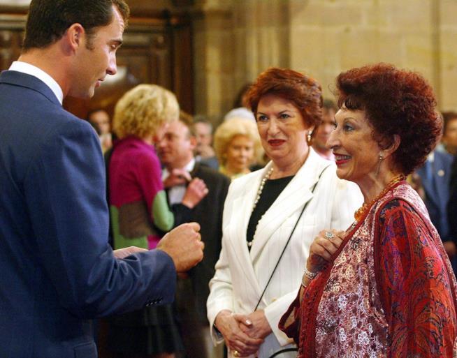Fatima Mernissi riceve il premio Principe delle Asturie nel 2013