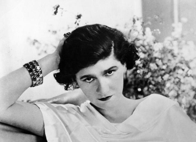 Coco Chanel in una foto d'epoca