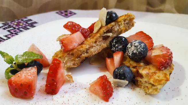 Pancake e frutta fresca
