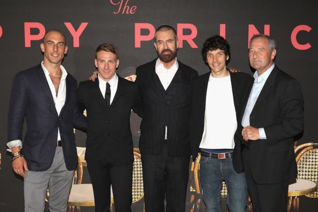 Rupert Everett ed il cast di The Happy Prince