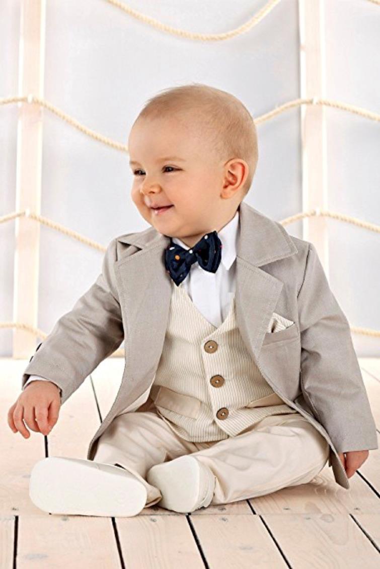 vasta selezione di prezzo ridotto carino e colorato I vestiti per il battesimo: i nostri consigli