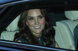 Kate Middleton in auto